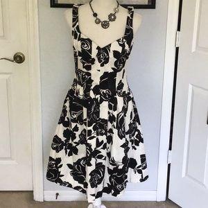WHBM blk/white rose print sundress-size 4